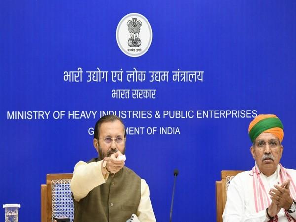 Union Minister Prakash Javadekar (left) inaugurating the high-speed track on Tuesday (ANI).