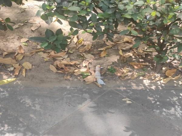 Suspicious item found near Raisina Road (Photo/ANI)