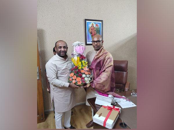 TRS MLA from Bodhan, Shakeel on Friday met BJP leader D Arvindh (Photo/ANI)