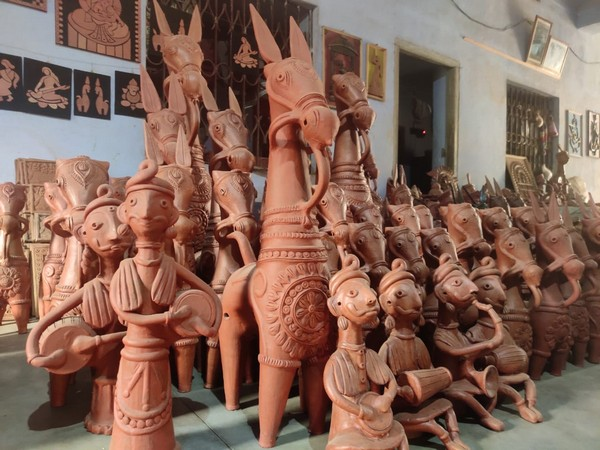 Terracotta figurines made by artists of Panchmura village.