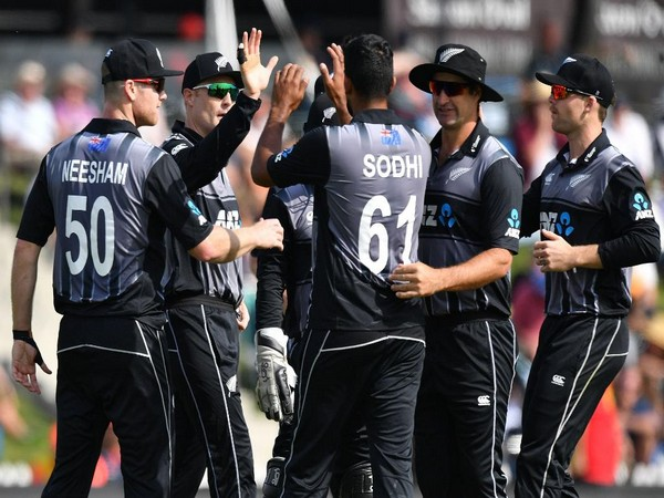 New Zealand team in action against England (Photo/ ICC Twitter)