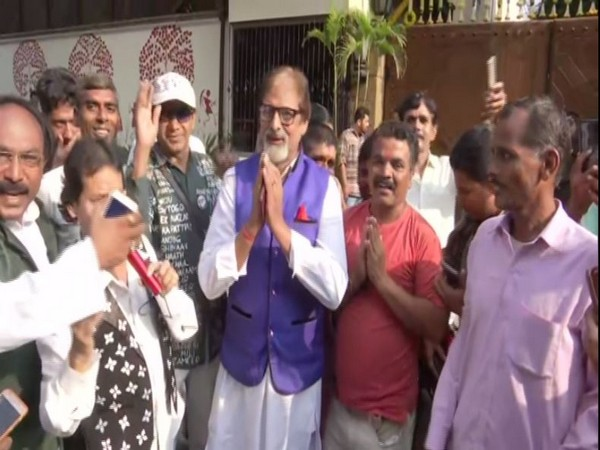 Fans gathered outside the house of Amitabh Bachchan in Mumbai on his birthday