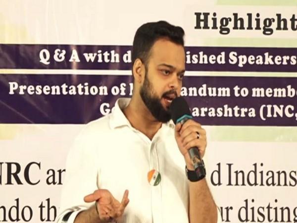 Farhan Azmi addressing an event in Mumbai on January 27 (photo/ANI)