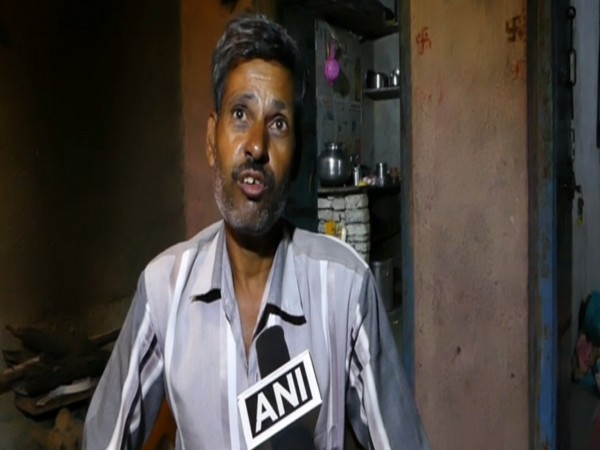 Father of the victim, Komal Tailor talking to ANI on Saturday. Photo/ANI