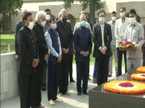 CEC Sunil Arora with election commissioners at Rajghat in New Delhi on Thursday. (Photo/ANI)