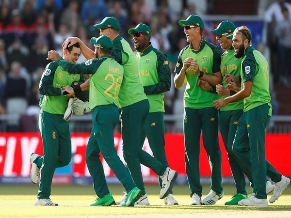 South Africa defeated Australia by 10 runs here on Sunday.