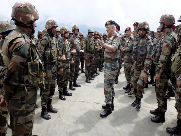 Army Chief General Bipin Rawat visited troops deployed along LC in Poonch and Rajouri sectors. (Photo tweeted by Northern Command)