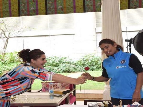 Taapsee Pannu with Mithali Raj