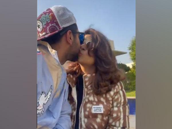 Actor Ayushmann Khurrana with wife Tahira Kashyap (Image Source: Instagram)