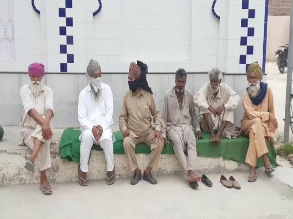 People belonging to the rural areas of Ludhiana, Punjab (Photo/ANI)