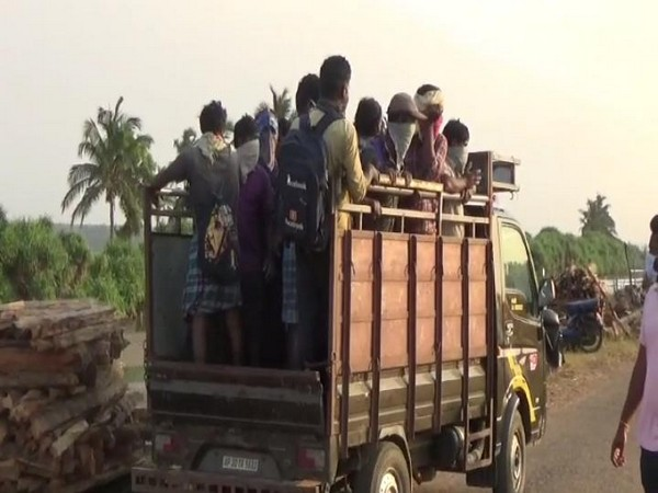 27 fishermen have been quarantined in Srikakulam, Andhra Pradesh. Photo/ ANI