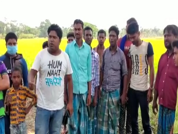 Locals gathered in the Deganga constituency in North 24 Parganas. (Photo/ANI)