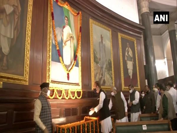 Senior Congress leader Ghulam Nabi Azad paying tribute to former Prime Minister Indira Gandhi on her birth anniversary.