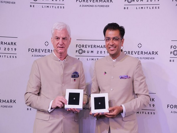 Stephen Lussier Executive Vice-President, Marketing, De Beers Group and Sachin Jain, President, Forevermark India
