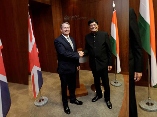 The British Secretary of State for International Trade, Liam Fox (L) with the Minister of Railways and Commerce, Piyush Goyal (R) in London on Tuesday (Photo/Fox's Twitter account)