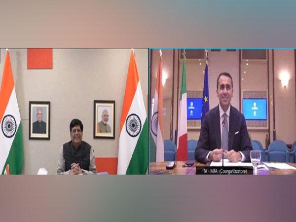 Union Minister Piyush Goyal and Italian Minister of Foreign Affairs & International Cooperation Luigi Di Maio (Photo Credit: Twitter/ Piyush Goyal)