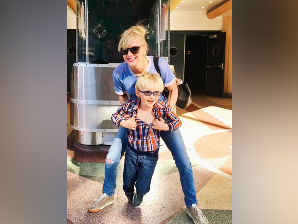 Anna Faris and her son (Image courtesy: Instagram)