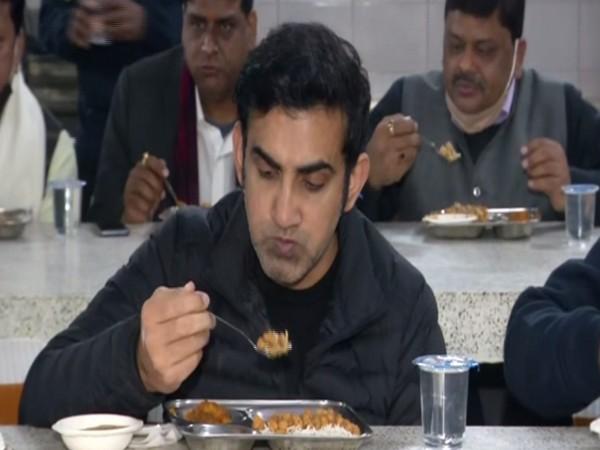 BJP MP Gautam Gambhir had lunch at 'Ek Asha Jan Rasoi' community kitchen (Photo/ ANI)