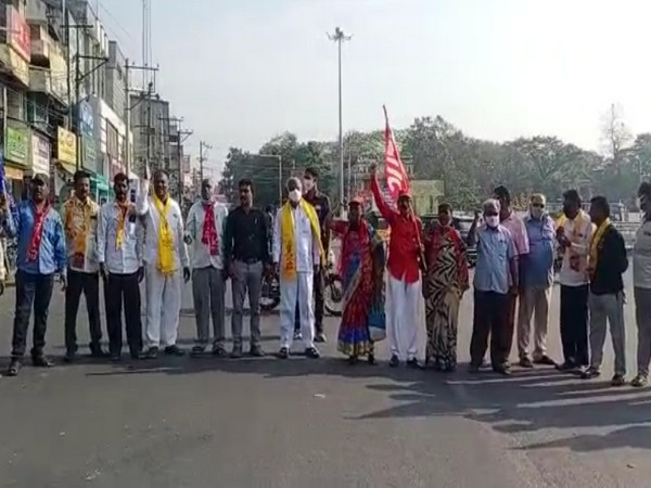 Leaders, workers of TDP and Left staging protest in Chittoor town on Friday. (Photo/ANI)