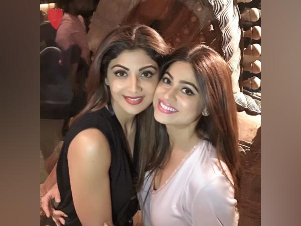 Shilpa Shetty Kundra and Shamita Shetty (Image source: Twitter)