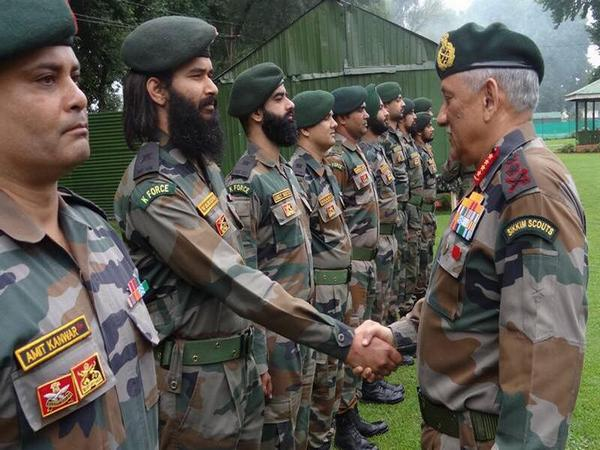 Army Chief General Bipin Rawat meeting Indian Army personnel. (File photo)