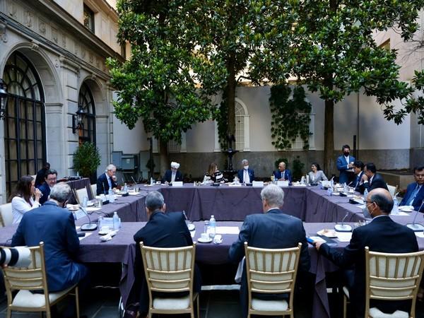 External Affairs Minister (EAM) S Jaishankar on Thursday met business leaders in Washington