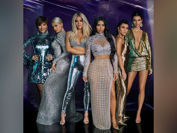 Kris Jenner with her daughters Kim Kardashian, Kylie Jenner, Khloé Kardashian, Kendall Jenner, Kourtney Kardashia (Image Courtesy: Instagram)
