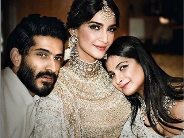 Sonam Kapoor, Rhea Kapoor and Harshvardhan Kapoor