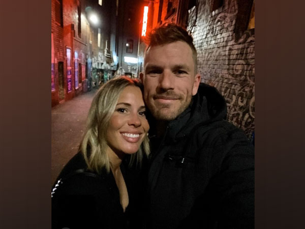 Amy and Aaron Finch (Image: Aaron Finch's Twitter)