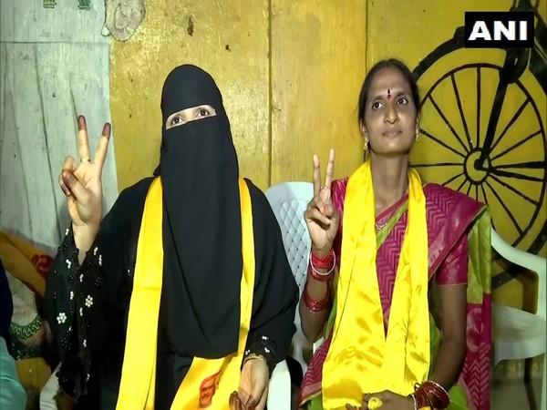 Farhana (left) and Rekha. (Photo/ANI)