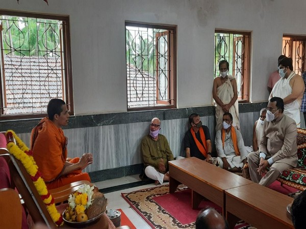 Goa governor paid condolence visit to Partagal Math over demise of Vader Swamiji.