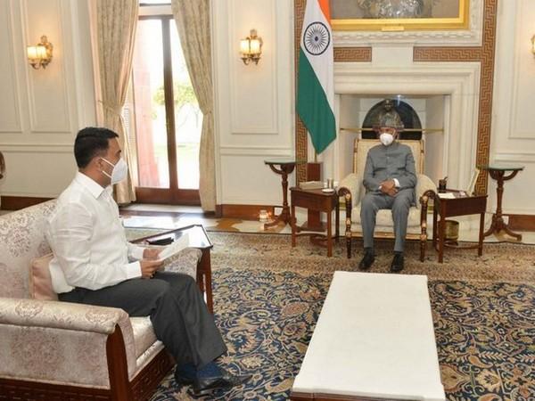 Goa CM Pramod Sawant met President Ram Nath Kovind on November 28. (Image courtesy: CM Pramod Sawant's twitter profile)