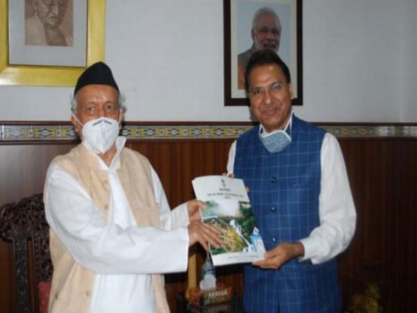 Goa SEC C R Garg, IAS presenting annual report of the Commission to Governor Bhagat Singh Koshyari