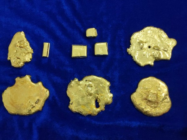 Around 2.5 kg gold seized by Customs at Chennai airport on Tuesday. (Photo/ANI)