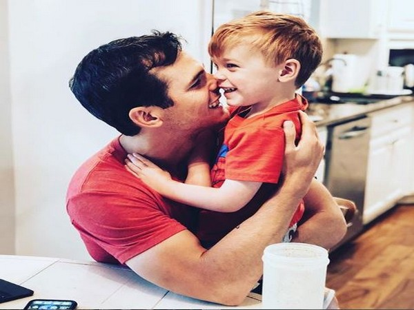 Granger Smith with his late 3-year-old son River (Image courtesy: Instagram)