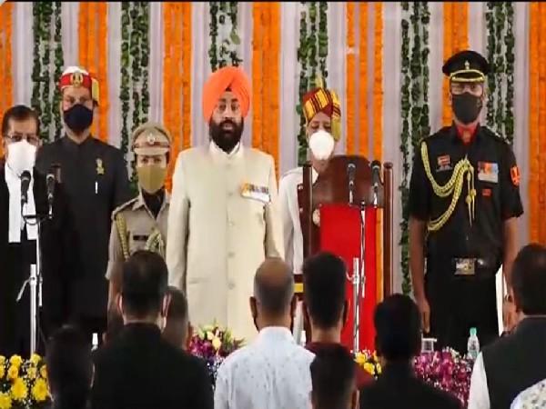 Lt Gen (Retd) Gurmit Singh sworn-in as new governor of Uttarakhand. (Photo/ ANI)