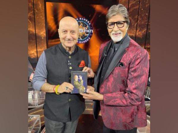 Anupam Kher with Amitabh Bachchan on the sets of Kaun Banega Crorepati