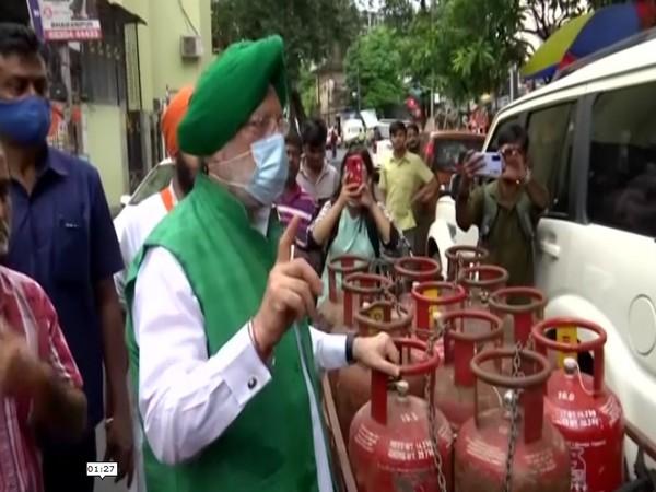 Union Cabinet Minister and BJP leader Hardeep Singh Puri (File Photo/ANI)