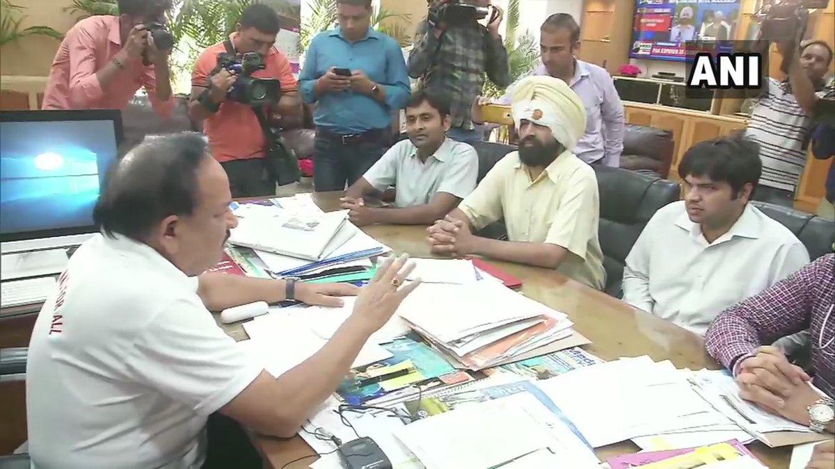 Union Health Minister Dr Harsh Vardhan meeting Resident Doctors Association (RDA) of AIIMS in New Delhi