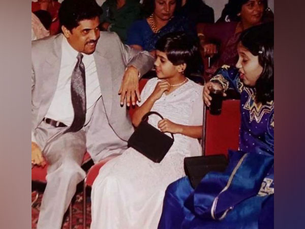 Childhood picture of Bhumi Pednekar with her parents (Image Source: Instagram)