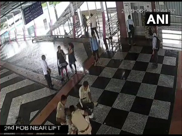 GRP personnel rushing the man to Emergency medical room on June 29 (photo/ANI)