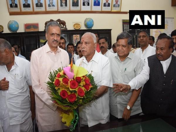 Karnataka BJP MLA Vishweshwar Hegde Kageri with CM BS Yediyurappa in Bengaluru on Tuesday.