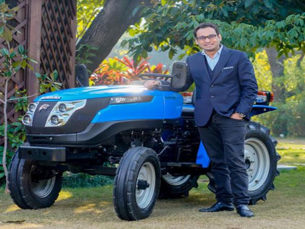 Raman Mittal, Executive Director Sonalika Group with Tiger Electric