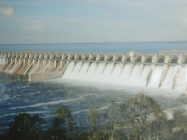 The average inflow of water was measured at 2,52,017 cusecs while the outflow was 2,20,250 cusecs.
