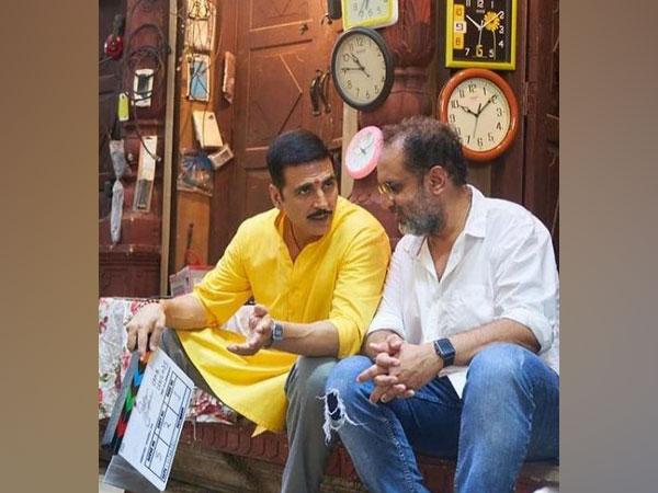 Akshay Kumar and Aanand L Rai from sets of 'Raksha Bandhan' (Image source: Instagram)