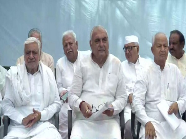 Former Haryana Chief Minister BS Hooda and other party leaders at the meeting held in New Delhi on Sunday. Photo/ANI
