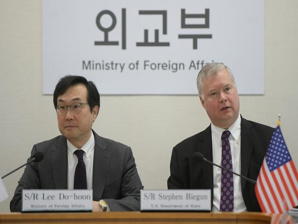 The Speical Representatives from South Korea and USA during their meeting in Seoul on May 10 (Photo/ Reuters)