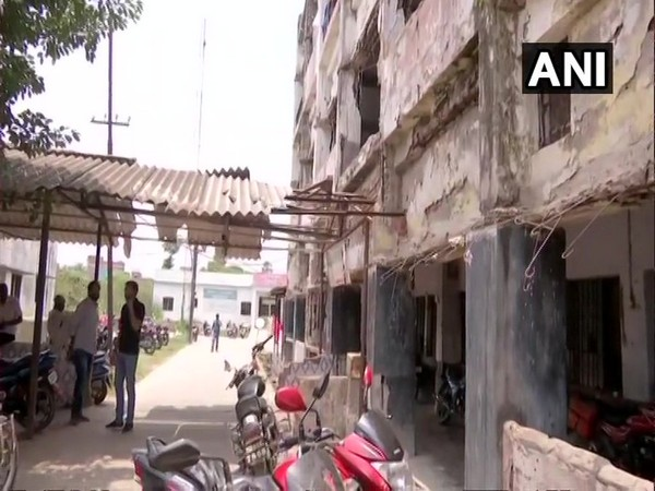 The building of state-run Darbhanga Medical College and Hospital in Bihar is in a dilapidated condition. (Photo:ANI)