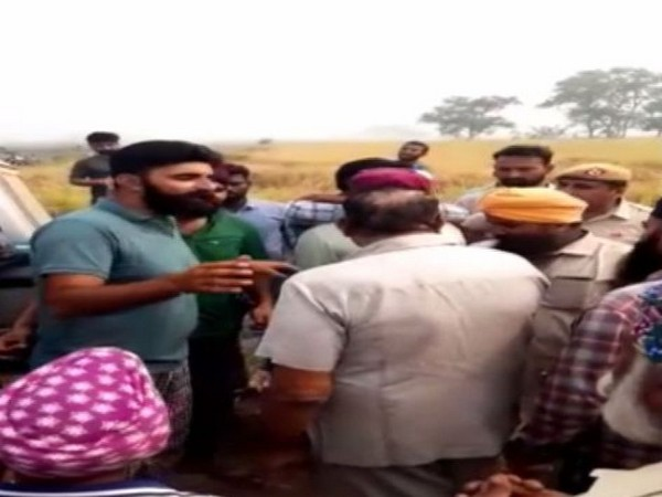 Inspection team to check stubble burning held hostage by villagers in Fatehabad , Haryana on Friday
