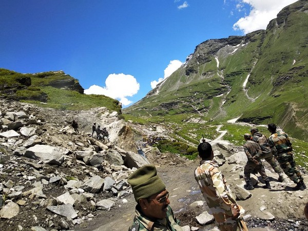 Border Roads Organisation involved in road clearing operations near Rohtang Pass on Manali-Leh highway on Wednesday. Photo/ANI
